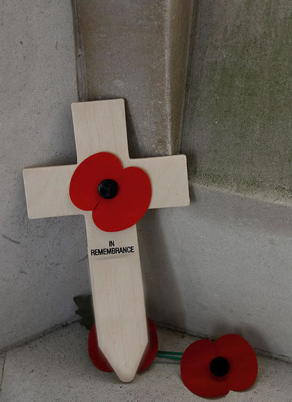 poppy-memorial-cross