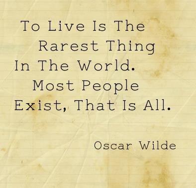 OscarWilde_ToLive
